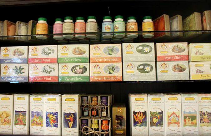 スリランカのアーユルヴェーダスパでのサプリメントやお茶