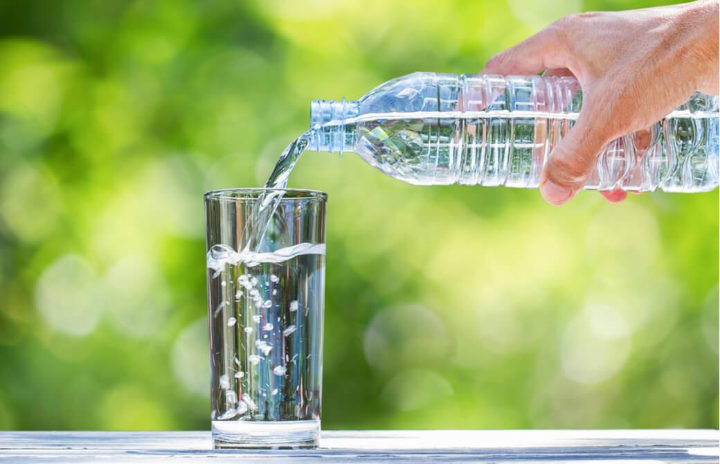 お水は食べ過ぎ防止にも活用できる