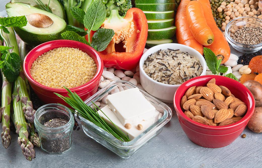 豆腐などたんぱく質を多く含む食品