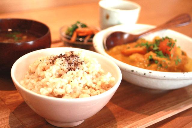 飯野さんは食べる時の心の持ち方も非常に重要だとおっしゃっていました。