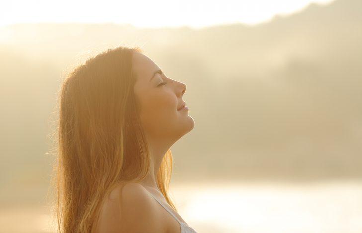 吸う息、吐く息で身体はどう変わるか観察してみよう!