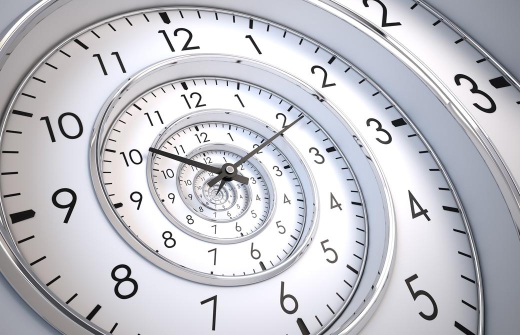 らせん状の時計