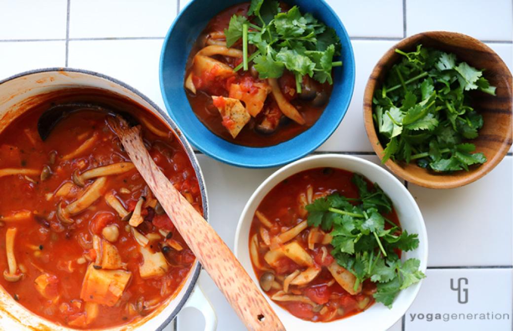 レンコンとシメジ、お豆のメキシカン・チリ・スープ