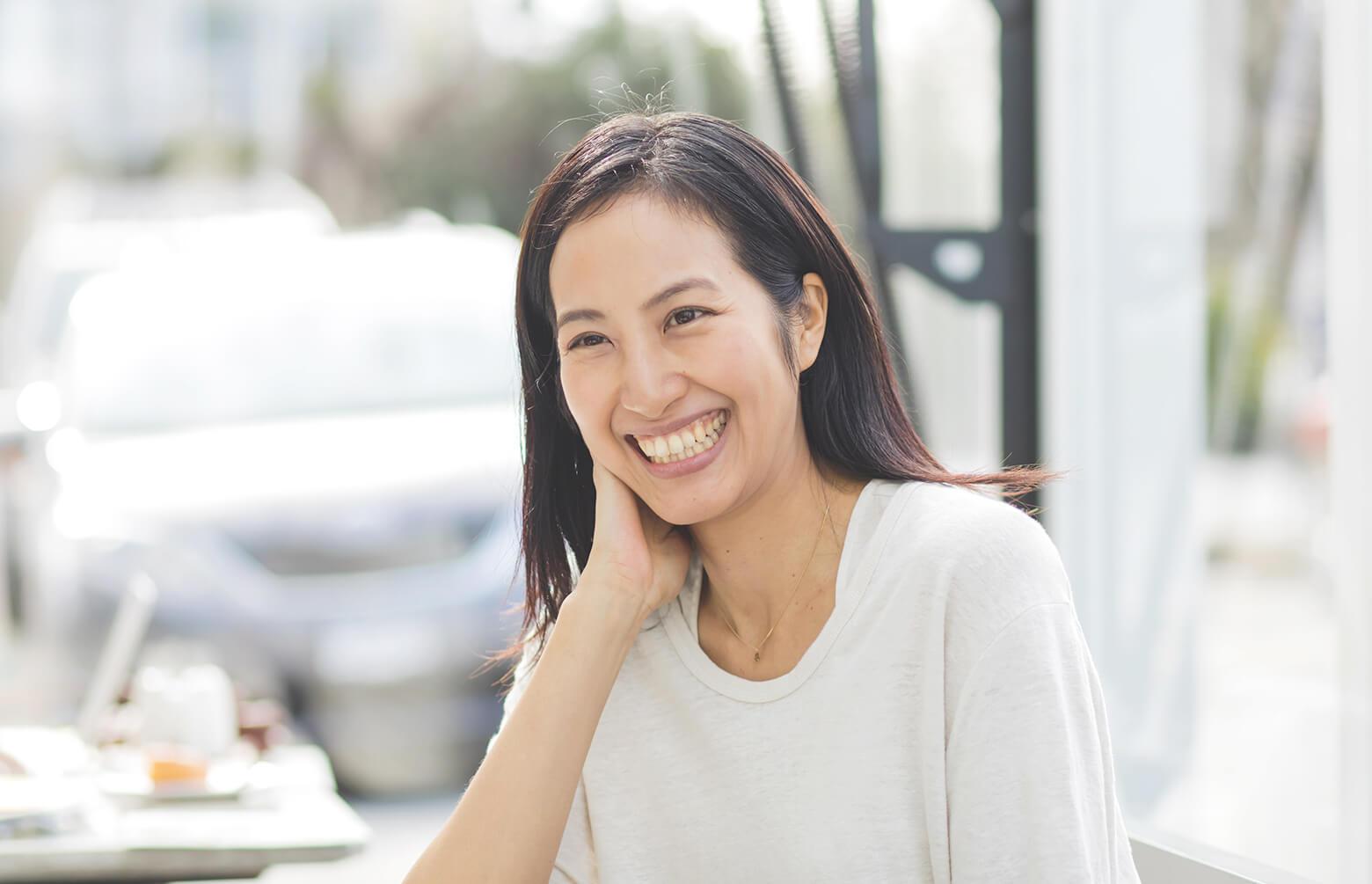 笑顔のサントーシマ香さん