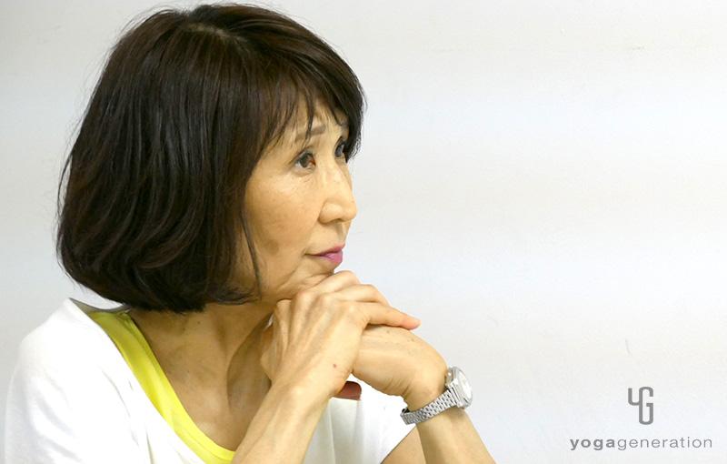 峯岸道子先生がインタビューに答えているところ