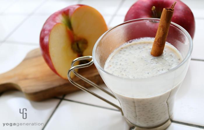 チアシード入り♪リンゴとココナッツミルクの|スパイシー・ソイラテ