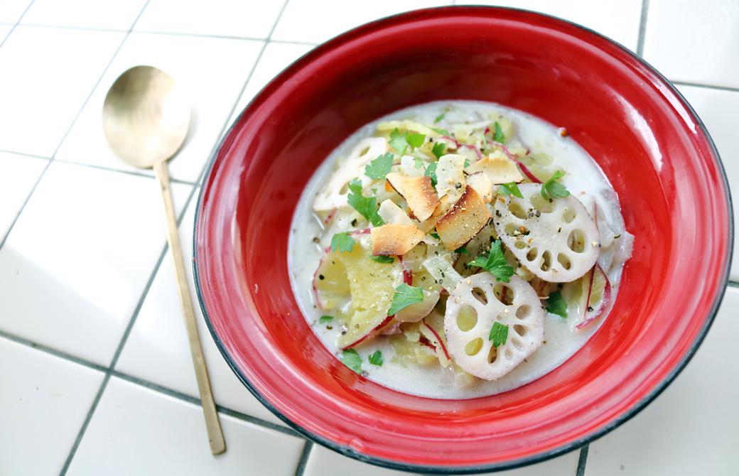 カルダモン香るレンコンとサツマイモのココナッツミルク・スープ