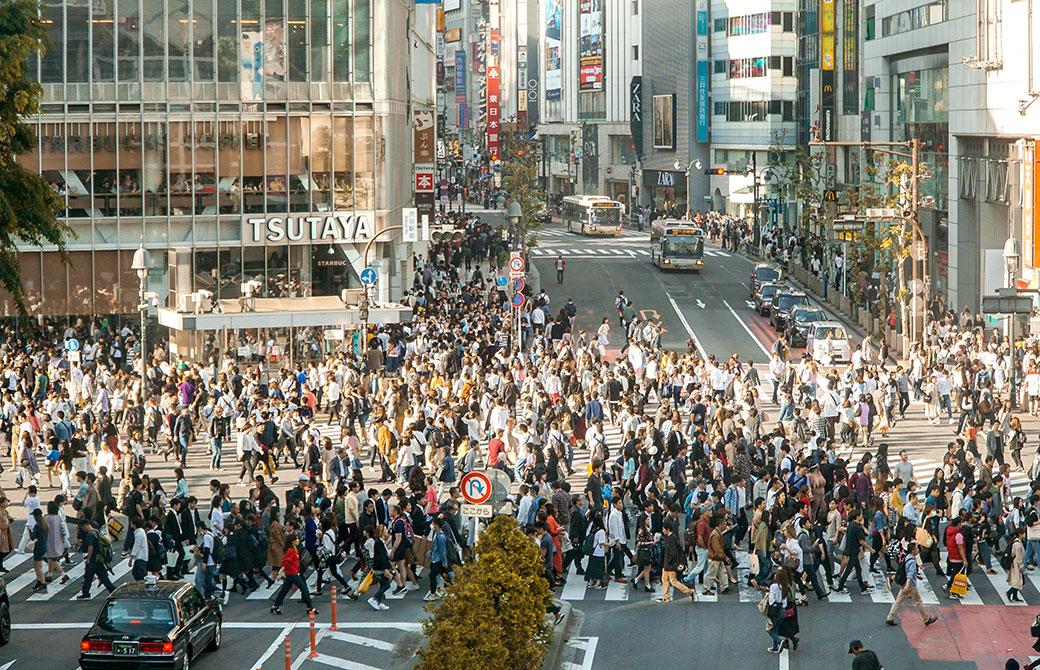 2018年渋谷の交差点での通勤時間の様子