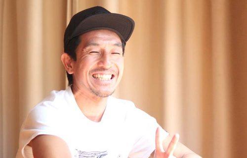 笑顔の山本俊朗先生
