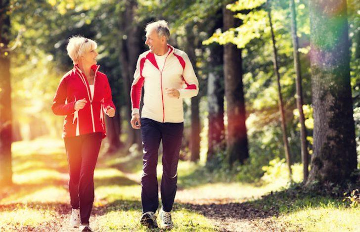 新しい分野:シニアフィットネス|健康と長生きの秘訣はヨガやウォーキング