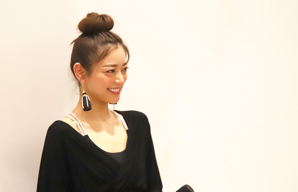 スタジオオープンのご挨拶をする松本莉緒さん