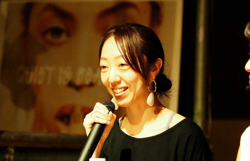 Julie|ジュリエのデザイナーの吉岡しおりさんがお話されている