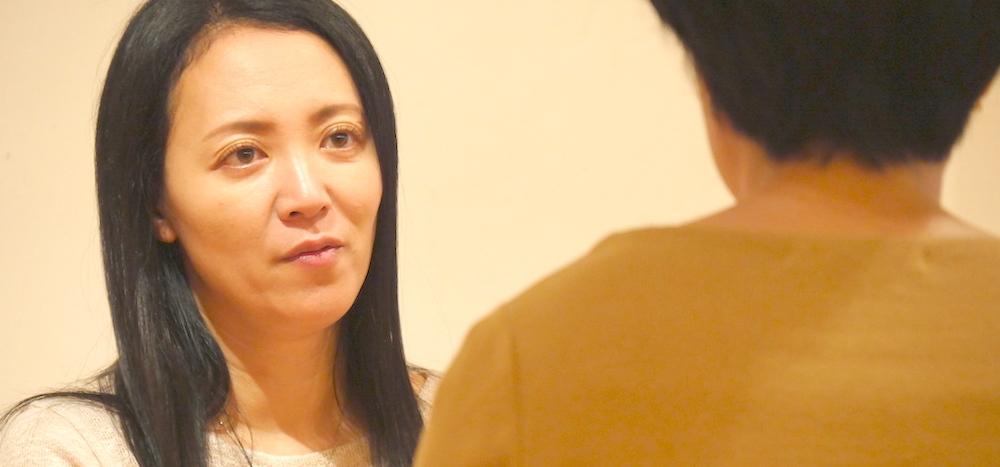 真剣な表情の福田真理先生