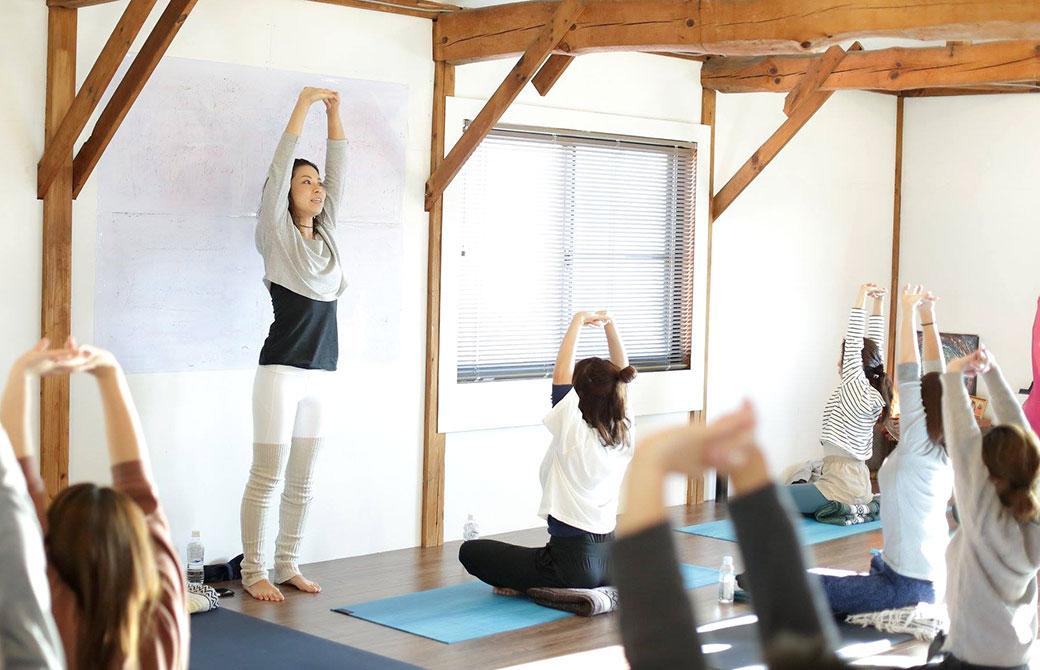 yogajourneyでヨガクラスを開催する田村佳世さん