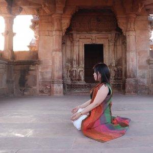 Yuka Nagai ヨガ哲学・インド古典音楽