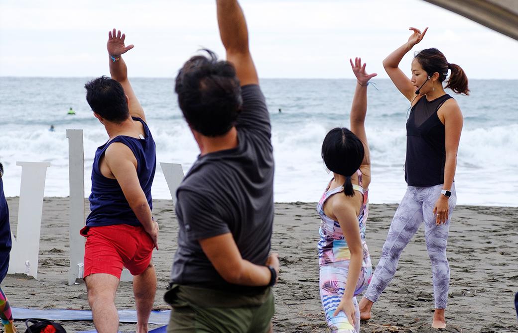 Juri先生によるIgnite Yoga。やはりここでも音楽とヨガの力に触れる