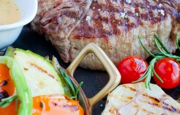 ステーキと野菜