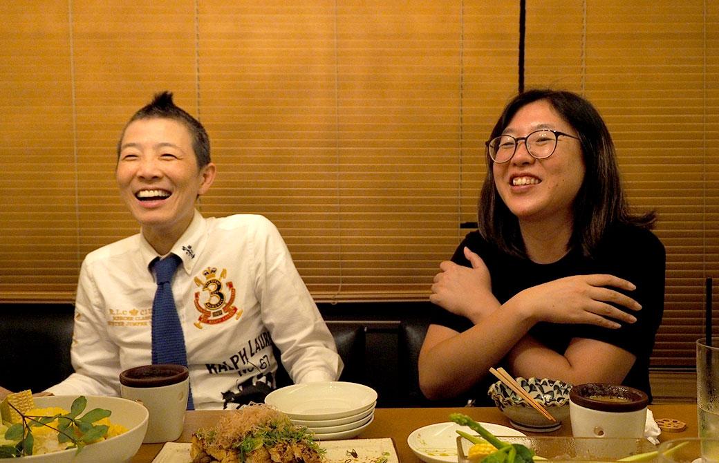産婦人科医、高尾美穂先生(左)、ヨガジェネレーションで高尾美穂先生の担当をしている亀井裕子