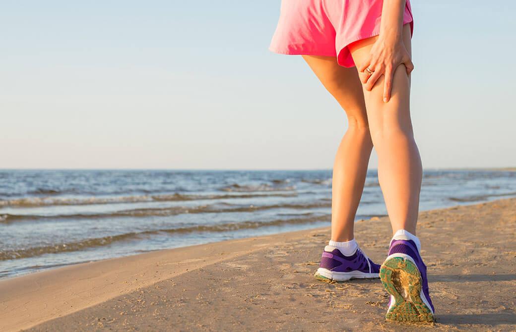 神経やハムストリングスが伸長されるストレスによる痛みの可能性