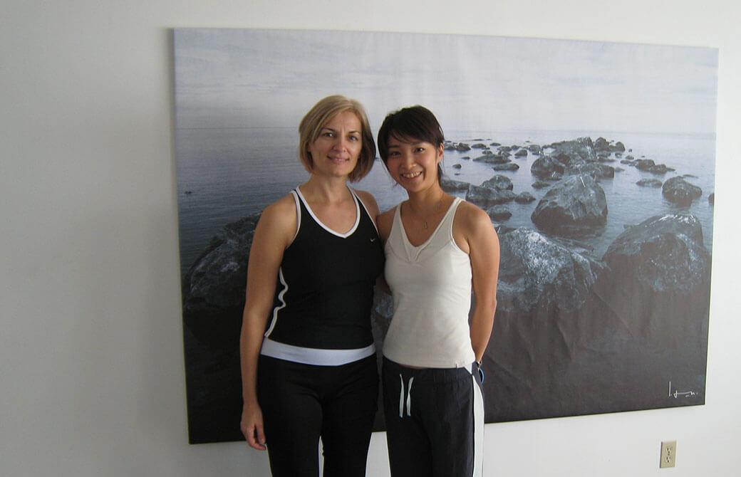 植村智子さんがカナダ留学中に、先生と撮影した一枚