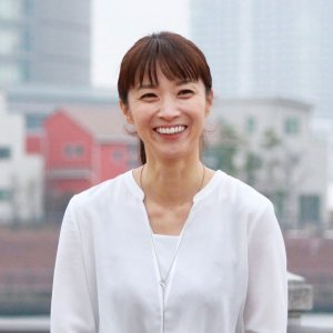 植村 智子 フリーアナウンサー(元西日本放送アナウンサー)、早稲田大学非常勤講師(ヨガの授業)、鍼灸師、アーユルヴェーダセラピスト