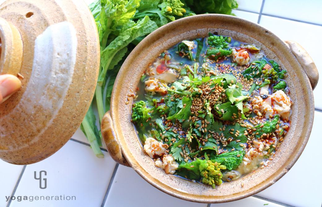 お出汁満喫!菜の花と溶き卵のピリ辛スープ