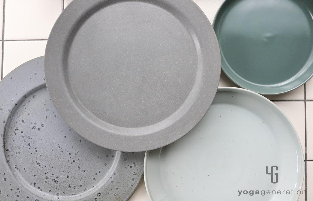 ゆるベジ:グレーの皿たち