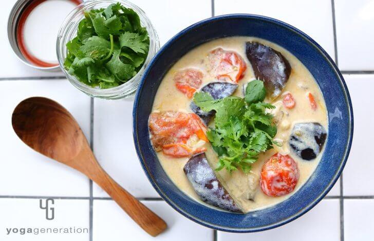 夏野菜のスパイシー豆乳汁