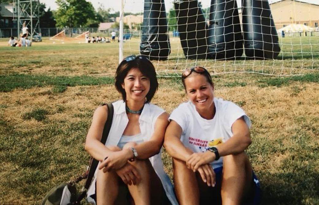 サッカーのアシスタントコーチの頃。ルームメイトと。