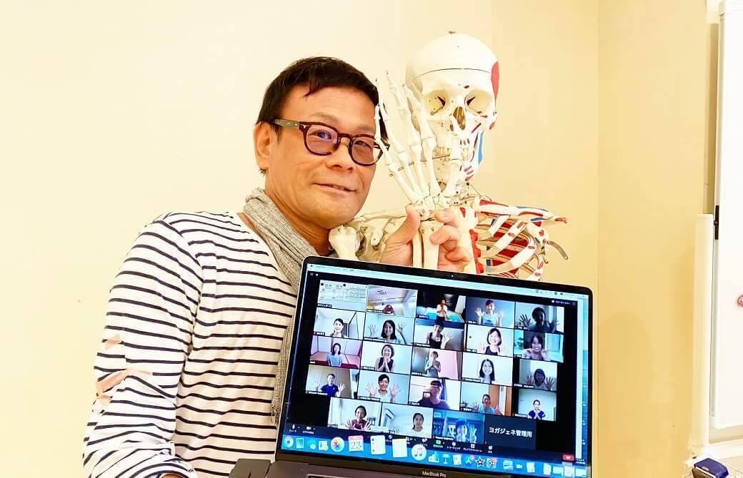 内田かつのり先生によるアナトミック骨盤ヨガワークショップ
