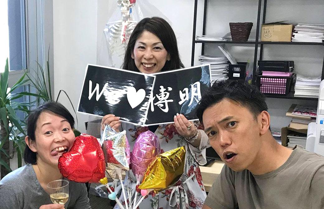 向かって右から代表:MIKIZO、マネージャー:じゅんじゅん、名物スタッフ:こた