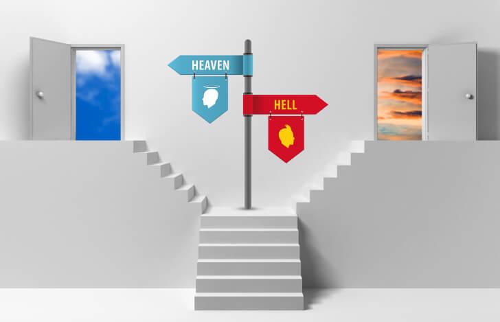 天国と地獄へと繋がる階段と扉