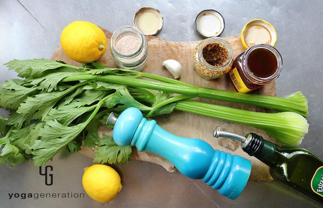 材料のレモンやセロリ、ニンニクなど