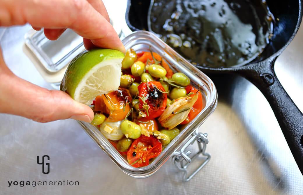 マリネも絶品!枝豆とトマトのローズマリーグリル