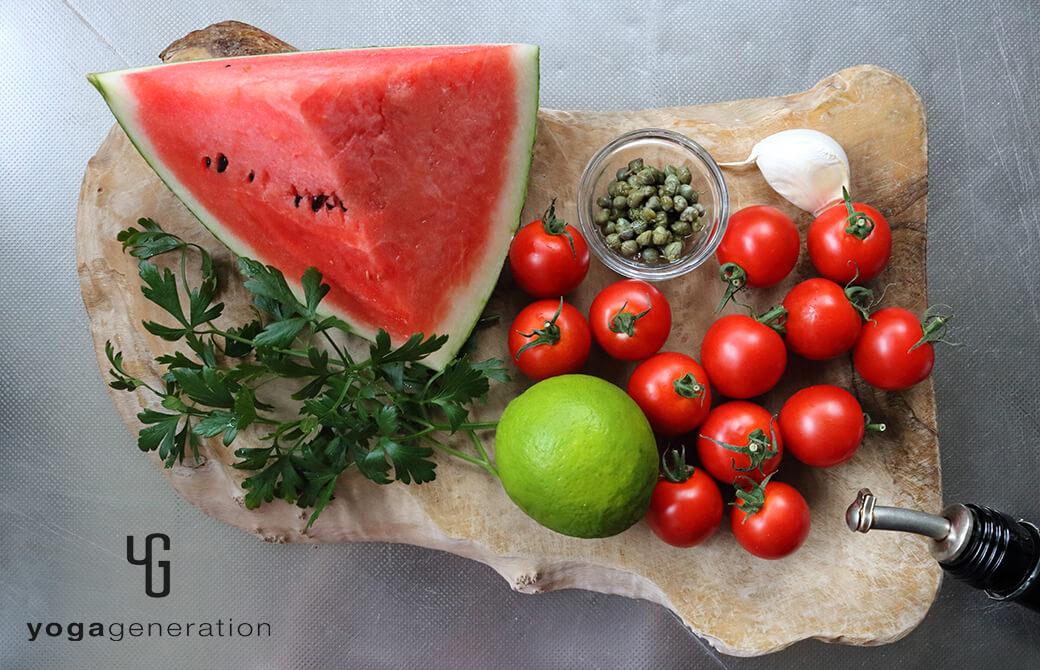 材料のスイカやトマト、ライムなど