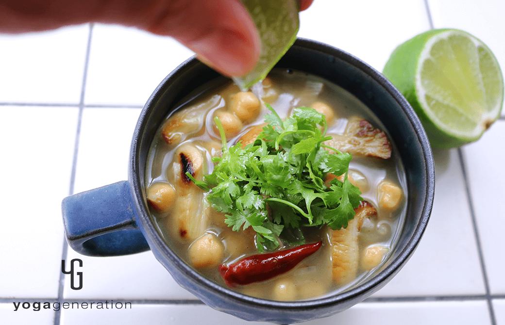 カップスープで楽しむ♪ヒヨコ豆とエリンギの酸っぱスパイシースープ