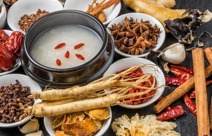 中医学的に体に良しとされるクコのみなどの食材