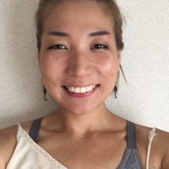 河本真由子 – 東京都で活躍するヨガインストラクター