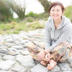 紙谷 夏美 – 東京都で活躍するヨガインストラクター
