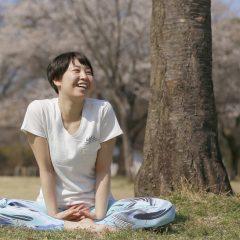 由井理子 – 埼玉県で活躍するヨガインストラクター