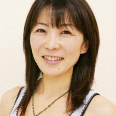 中里 貴子 – 東京都で活躍するヨガインストラクター