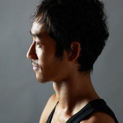Tomohiro Tsujimoto – 東京都で活躍するヨガインストラクター